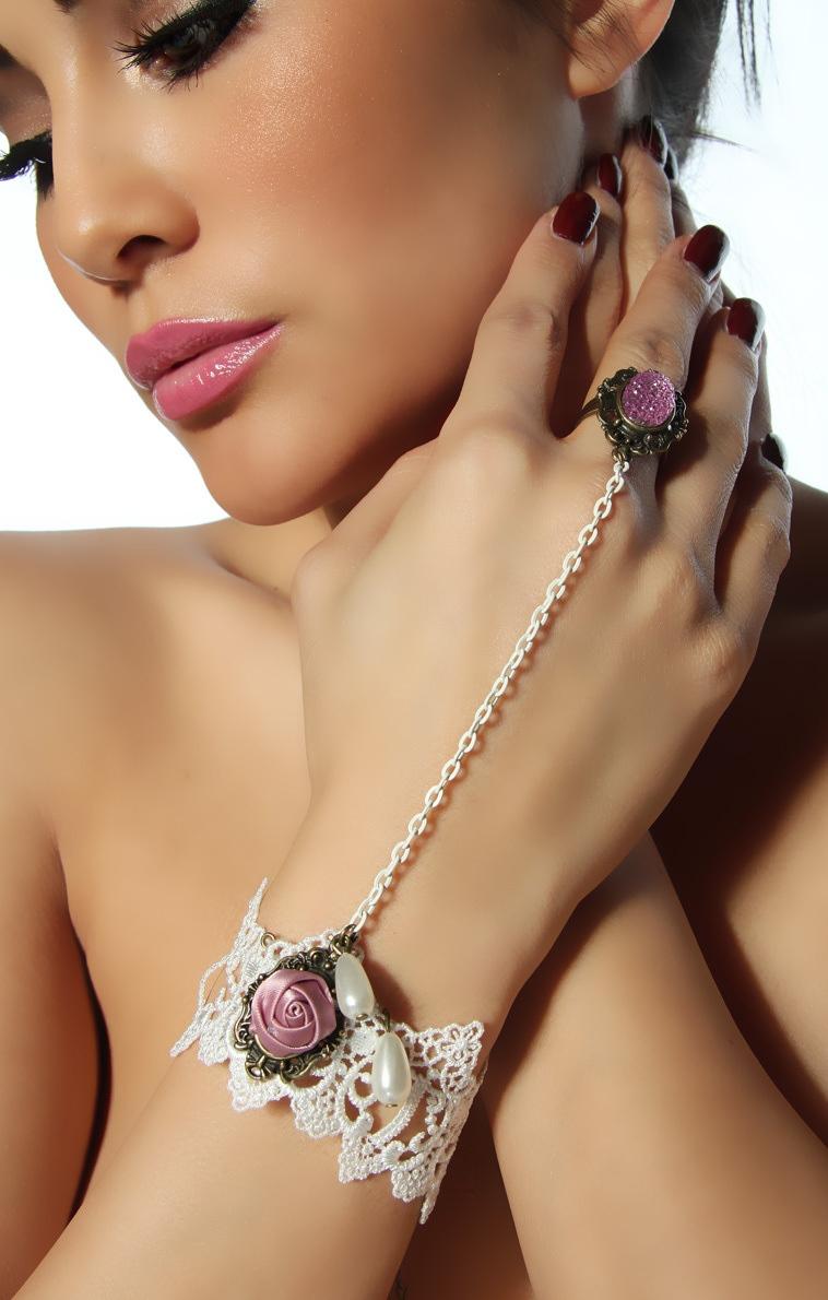 Pleasures Bracelet with Ring Rf80852