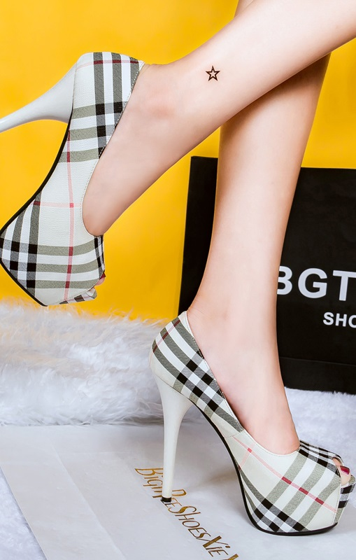 Sapatos Pleasures Shoes White