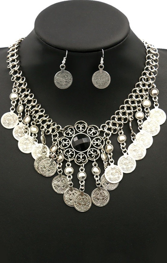 Pleasures Coin Necklace with Earrings Black