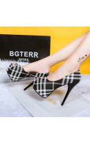 Sapatos Estilo Burberry Pretos Rf600444