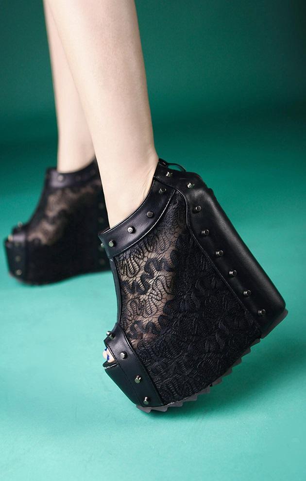 Pleasures Boot